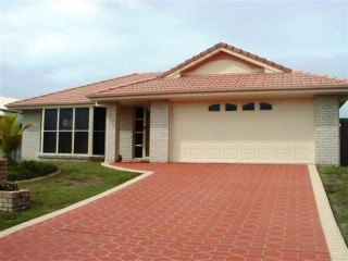 MODERN LIVING IN PELICAN WATERS