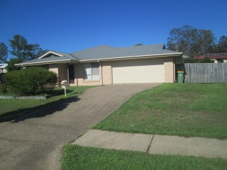 BREAK LEASE-FAMILY HOME THAT IS FULLY FENCED