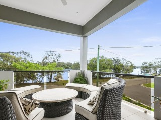 Exceptional High Quality Unit in one of the best Noosa River Locations!