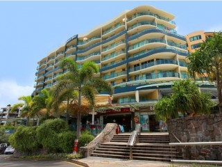 LIGHT AND BRIGHT 1 BEDROOM/STUDIO APARTMENT IN LUXURIOUS LANDMARK RESORT