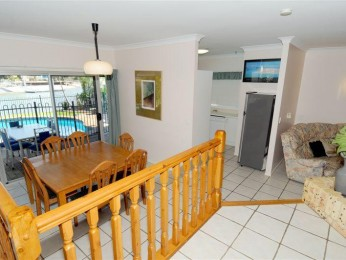 Large Mooloolaba canal front home, sleeps 12, pet friendly, save $50 per night!!
