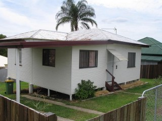 2 BEDROOM HOME CLOSE TO SHOPPING CENTRE - FULLY FENCED
